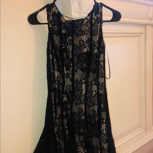 Dress barn black/beige dress (size 4)